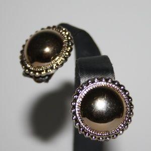 Vintage lightweight gold earrings